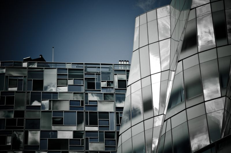 Nouvel vs Gehry