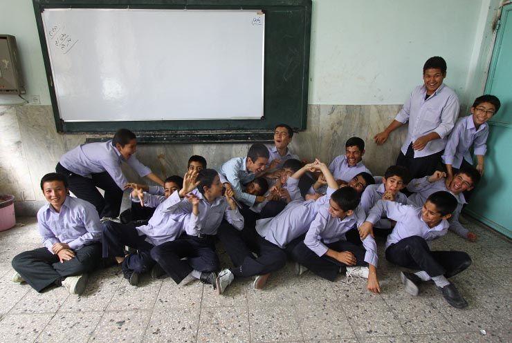 qom.maktabi school