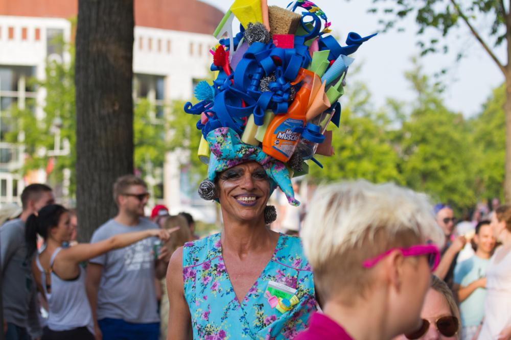 Hands-on headdress