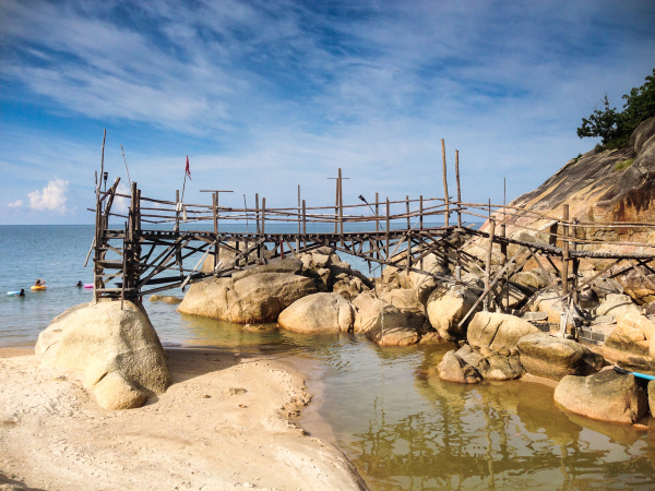 Bridge, no troubled water