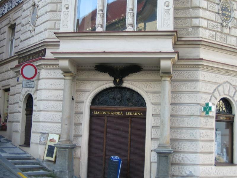 """de mi serie """"edificios de Praga"""""""