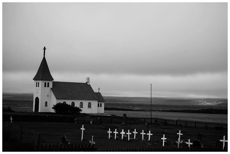 ISLANDIA LIV