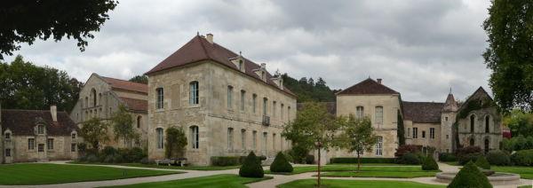L'abbaye de Fontenay. Vue d'ensemble.3/5