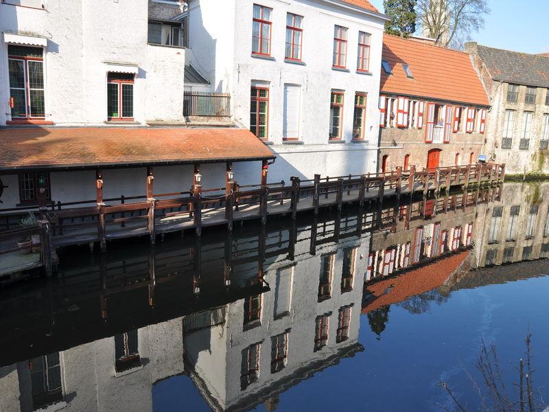 Bruges 3/4. La magie des reflets