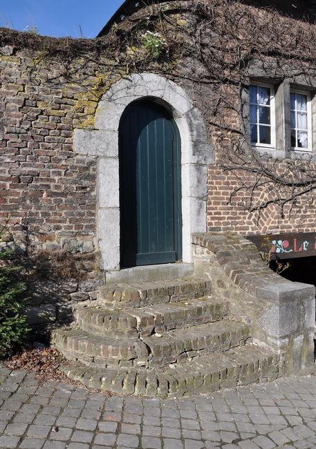 Une vieille porte.