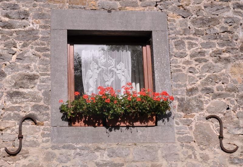 La fenêtre de dentelle!