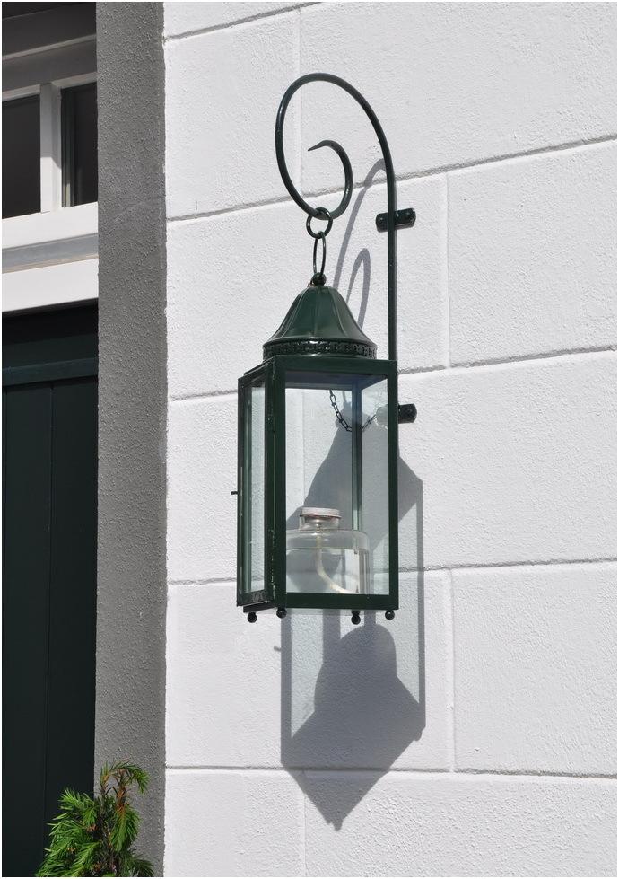 Une lanterne .