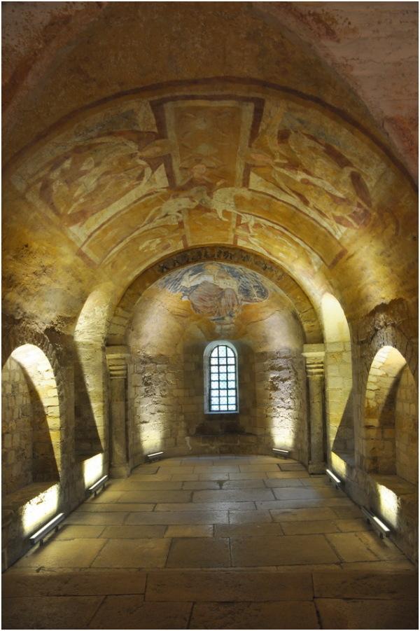 Auxerre. La crypte et les fresques.