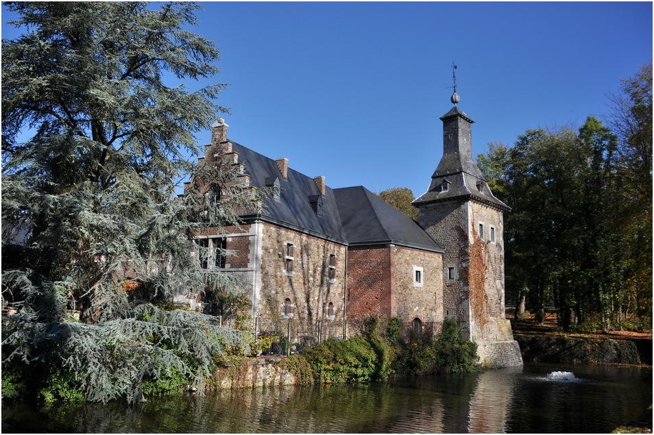 Les Communs du château.