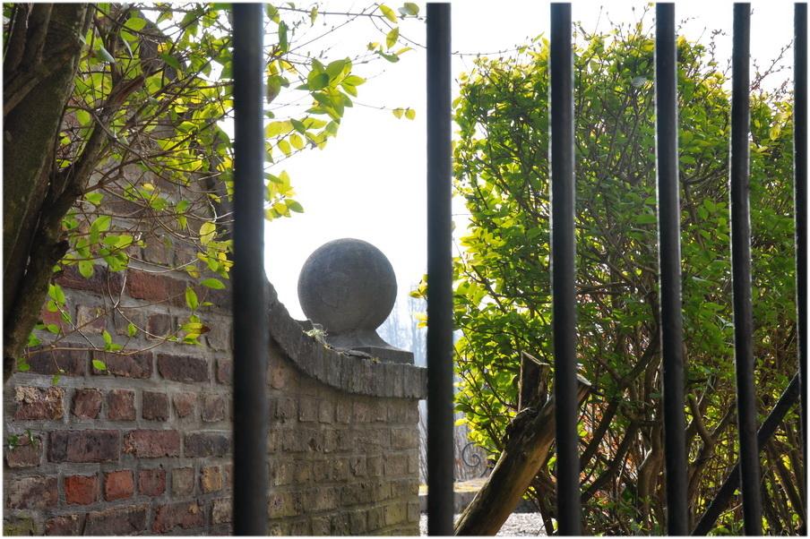 Le jardin emprisonné
