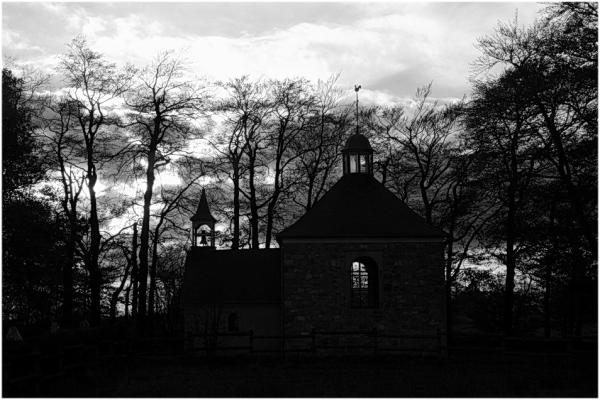 La chapelle au coucher du soleil