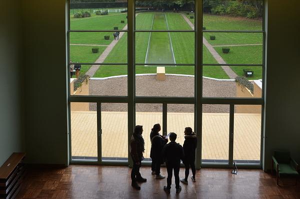Villa Cavrois 4 . Perspective sur le jardin.