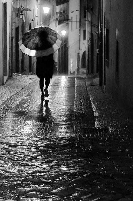street rain pluie night woman