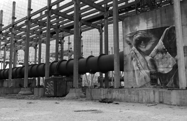 By Guido Van Helten