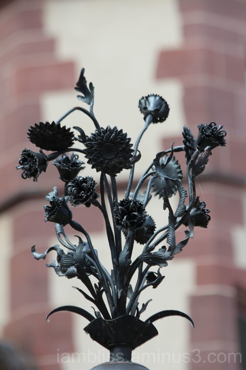 Iron bouquet