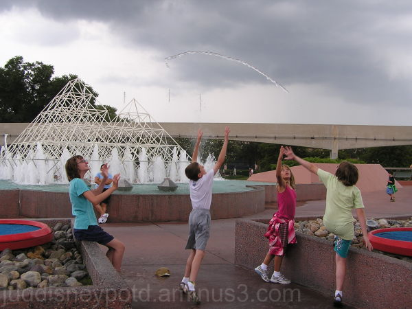 WDW, Walt Disney World, Jud, Epcot, Jumping Water