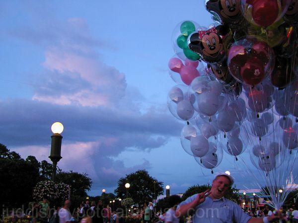 WDW, Jud, Magic Kingdom, Clouds, sky, balloons