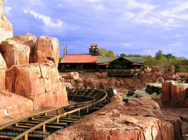 Big Thunder Mountain Rail Road, Train, track,