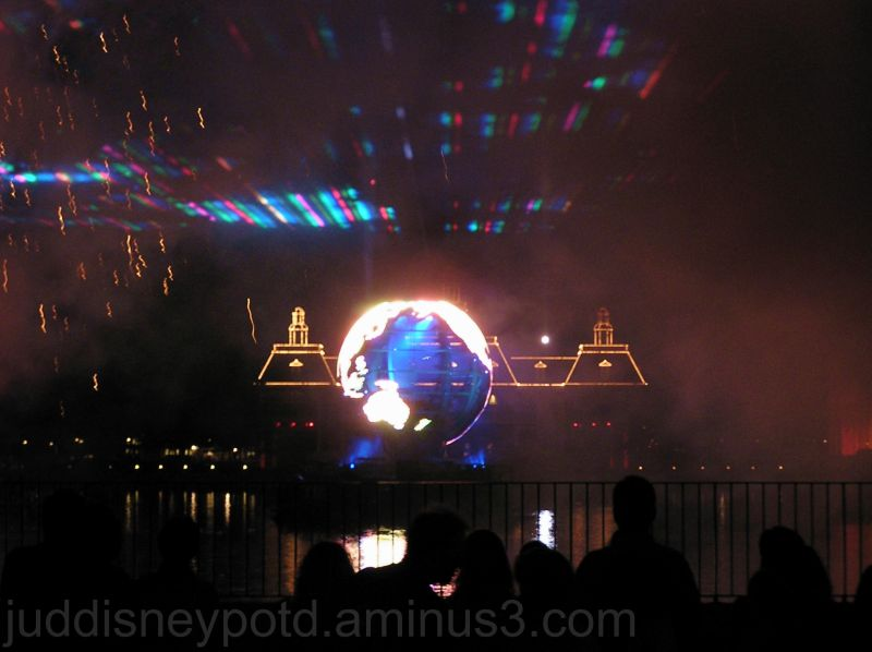 Jud, Epcot, Illuminations, Earth Globe, America
