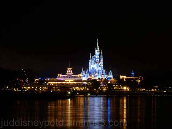 Jud, Disney, Magic Kingdom
