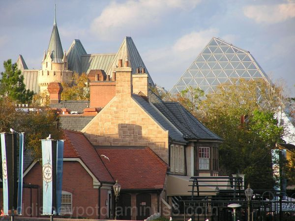 Jud, Disney, Epcot, World Showcase, Roof