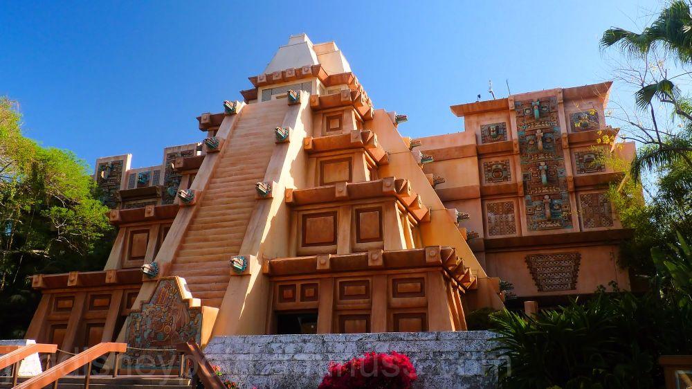 Jud, Disney, EPCOT, Mexico