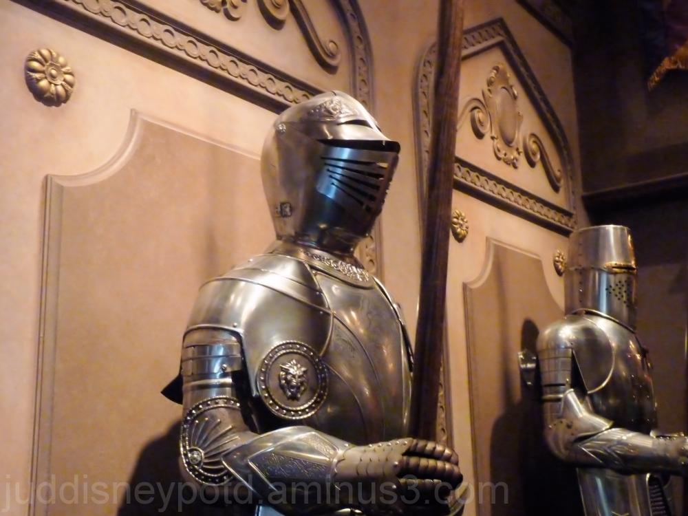 Jud, Disney, Magic Kingdom, Be Our Guest, Armor