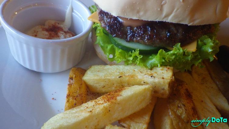 Burger and Mojos