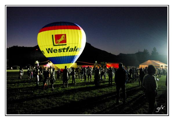 Fête de l'Air - un ballon dans la nuit (II)
