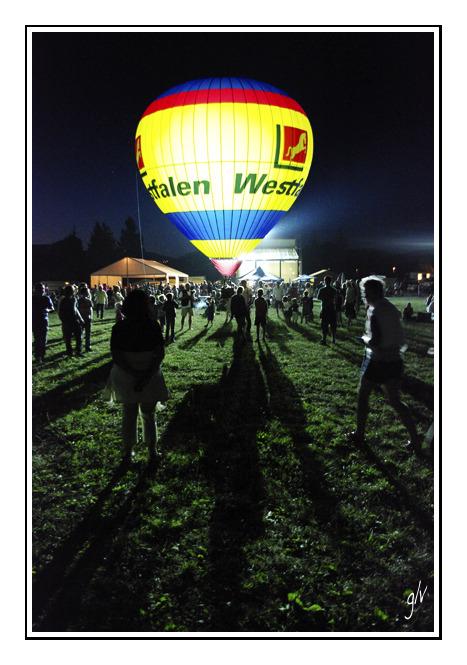 Fête de l'Air - un ballon dans la nuit (III)