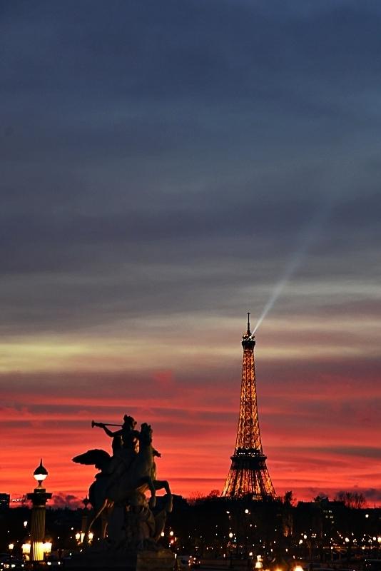 Un ciel Bleu Blanc Rouge - A tricolor sky