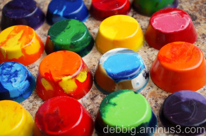 melted crayons mini muffin tins