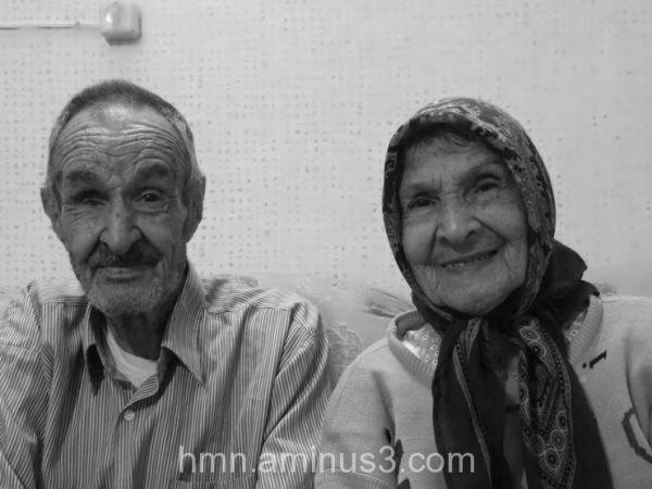 my grand mother & father پدر و مادر بزرگم