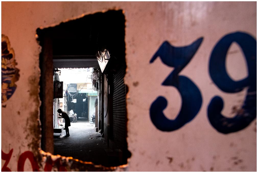 139 - a peek inside