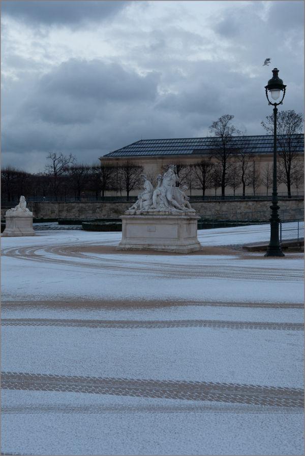 Atterrissage aux Tuileries