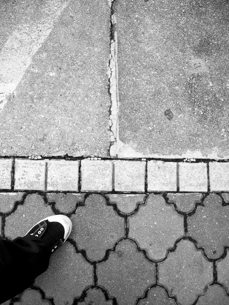 monochrome, pavement, border line