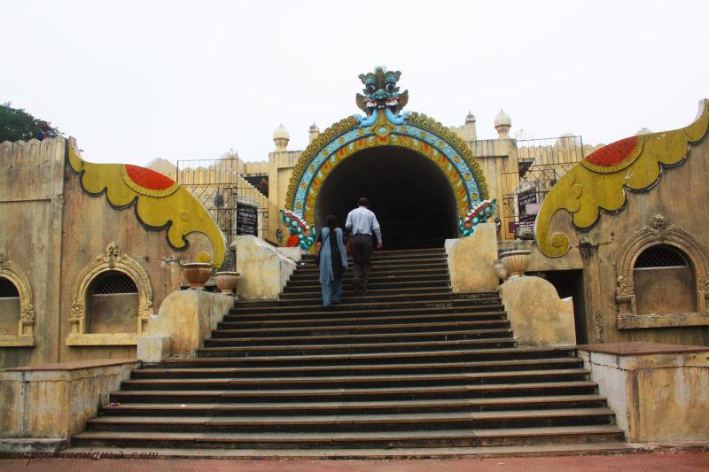 Entrance to Valluvar Kottam, Chennai