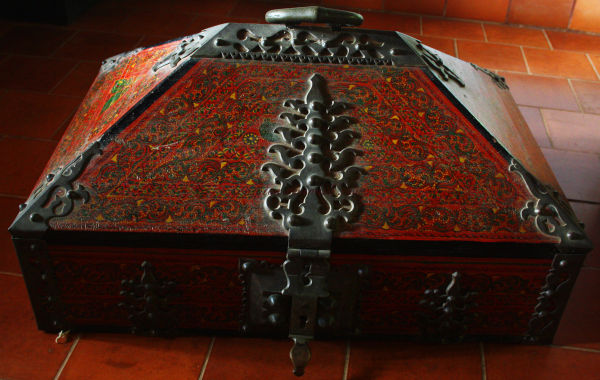 ? Jewellery Box....posssibly..