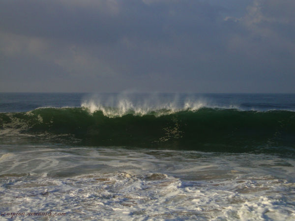 Waves about to break ...