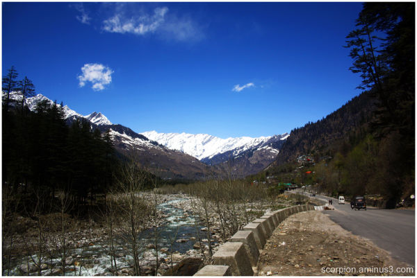 On the way downhill, Manali...