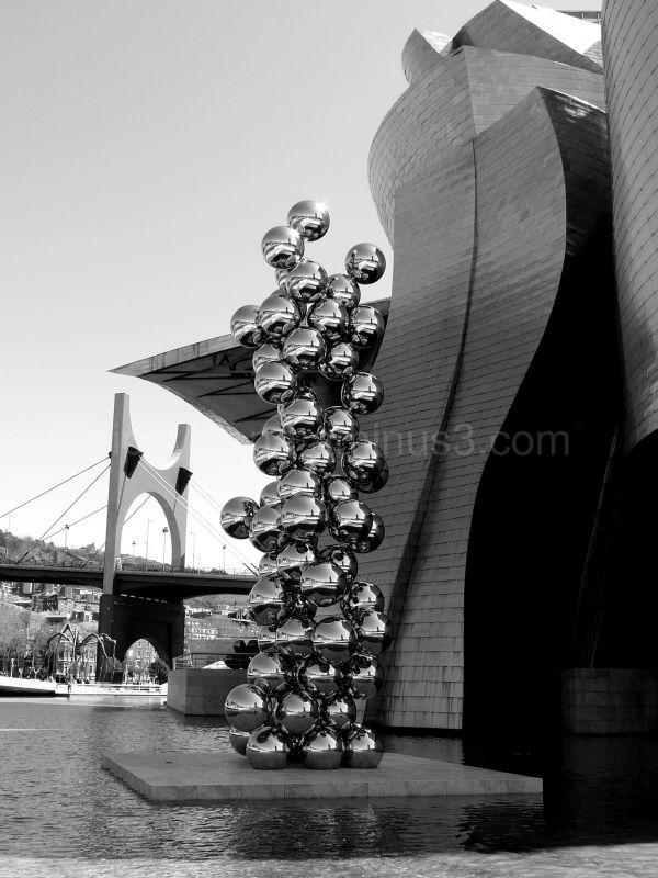 Bilbao in B&W..