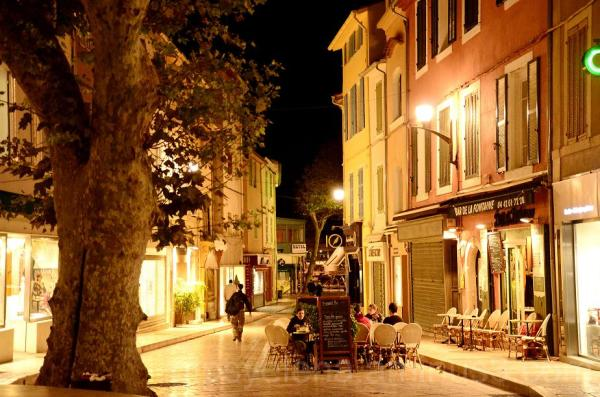 Cassis at night III