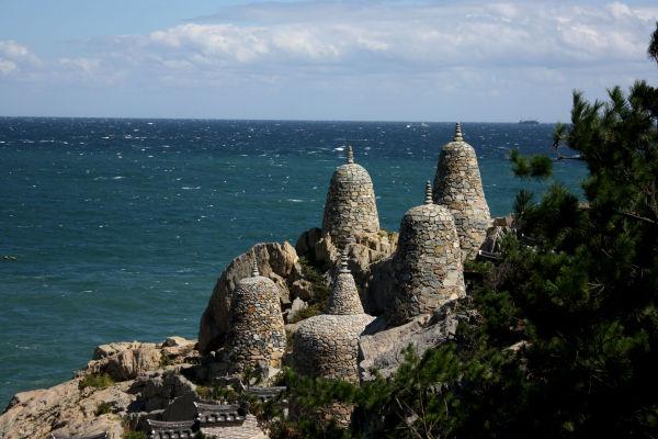 Stone pagoda @ Younggungsa