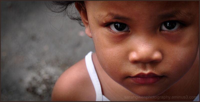 beautiful girl from manila slums.