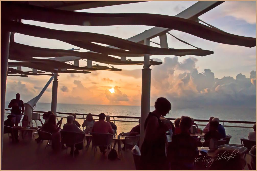 Sunset Bar, Deck 10