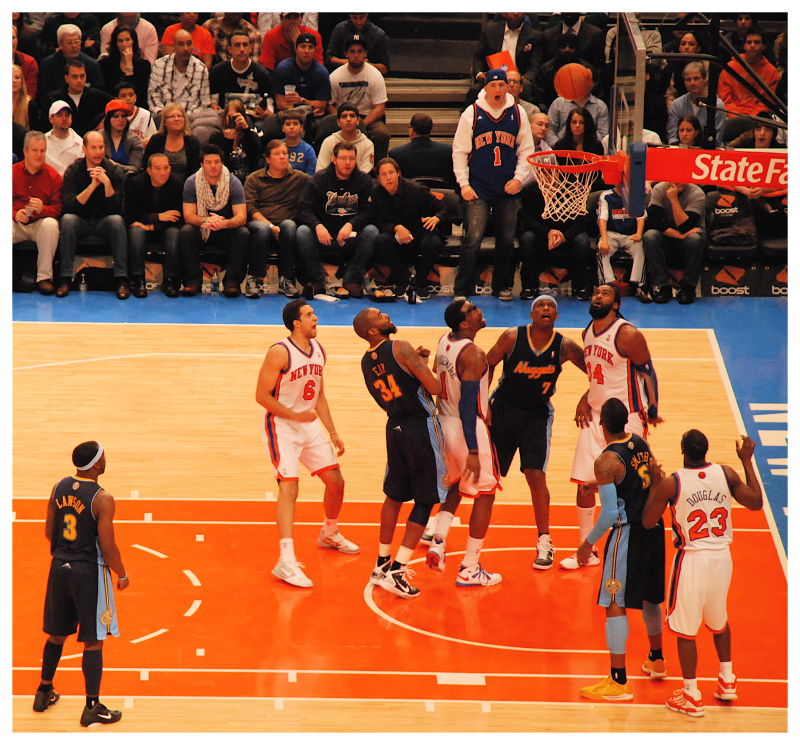 In or out ? (Knicks vs Nuggets)