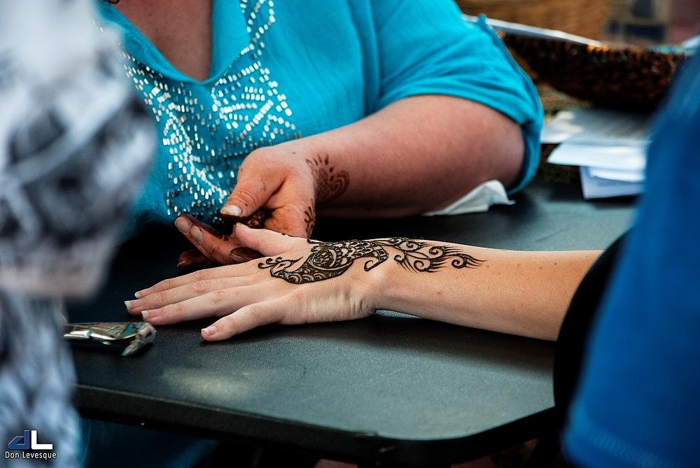 Henna Hand Painting