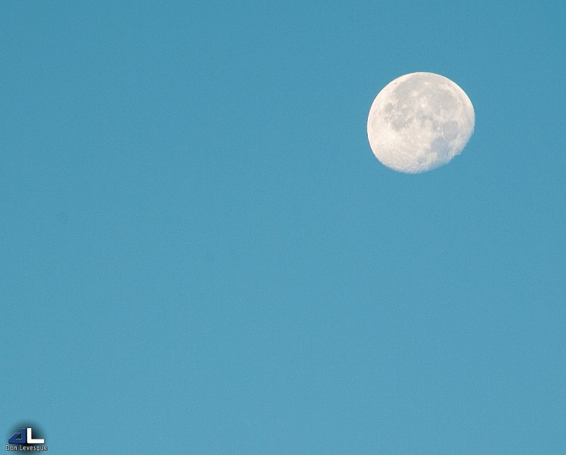 Morning moon - Oct. 2, 8:00am