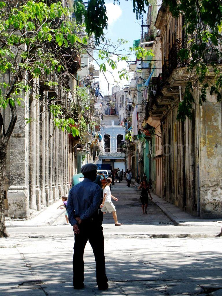 Policeman - Cuba