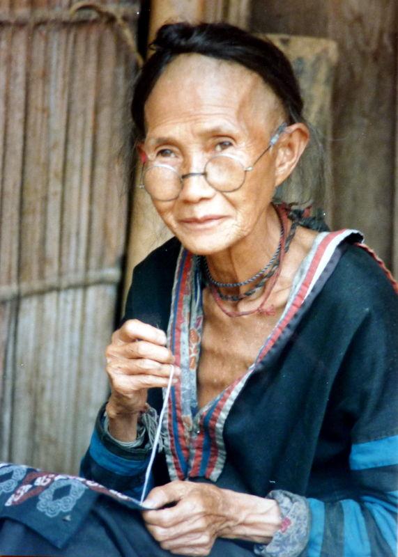 Mamie Hmong, camp de réfugiés, 1989